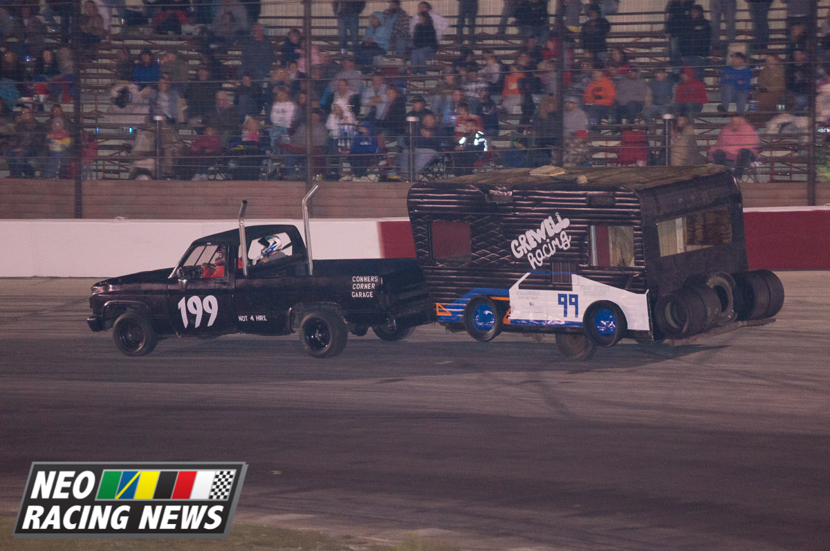 VIDEOS: Figure 8 & Trailer Race Footage from Midvale\'s Fall Classic ...